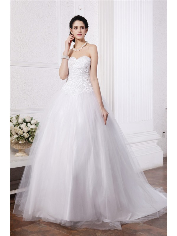 Ball Gown Sweetheart Sleeveless Beading Applique Long Net Wedding Dresses