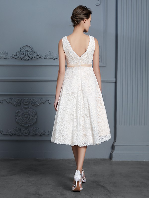 A-Line V-neck Sleeveless Knee-Length Lace Bowknot Wedding Dress