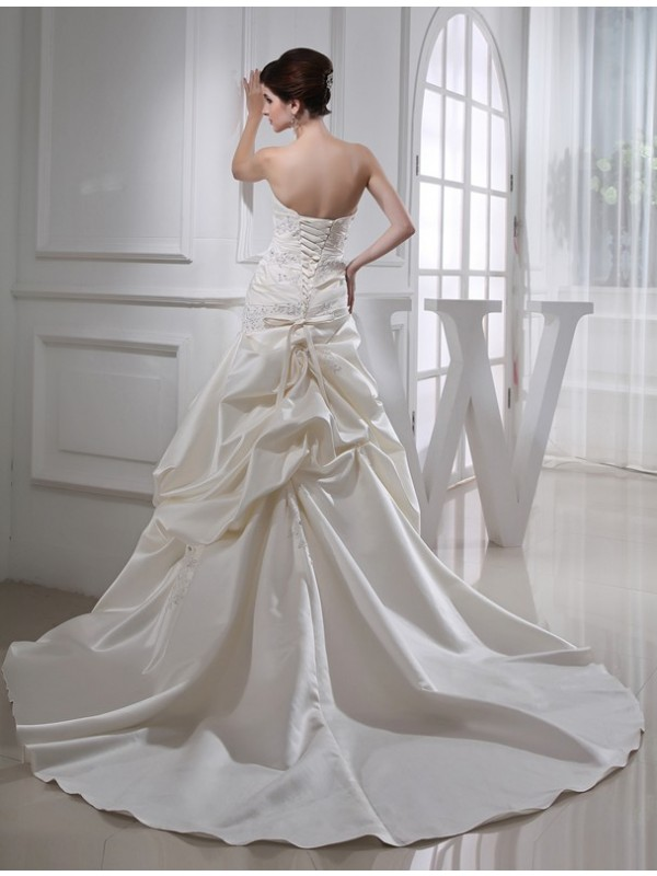 Trumpet/Mermaid Beading Long Satin Sleeveless Strapless Wedding Dresses